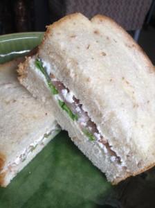 sadwich_cottege_p